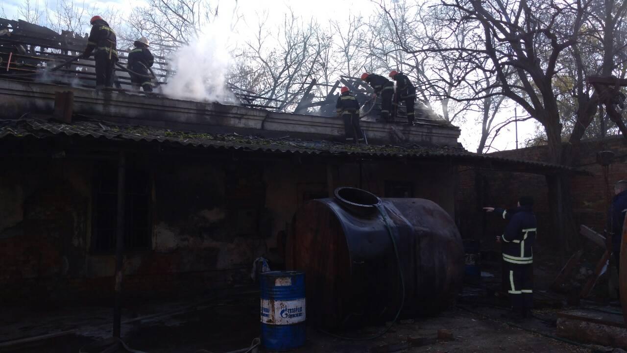 2234623462346 Спасатели ликвидировали возгорание склада с мазутом в районе Измаильского порта