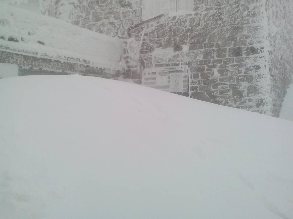 В Карпатах местами уже намело 1-2 метра снега