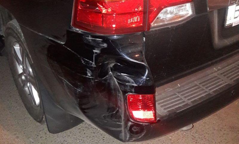 2346234623462346324 В Измаиле неустановленный водитель совершил ДТП с припаркованным автомобилем и скрылся с места происшествия