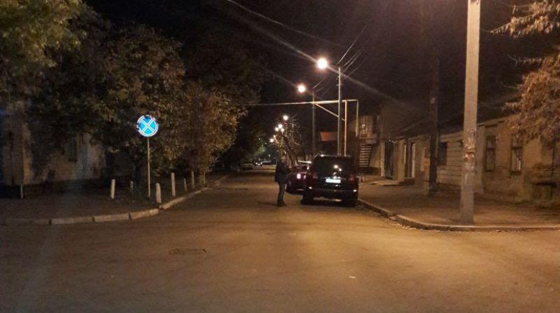 234623472346 В Измаиле неустановленный водитель совершил ДТП с припаркованным автомобилем и скрылся с места происшествия