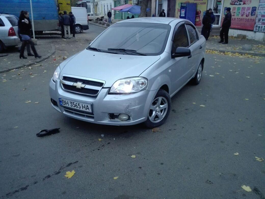 2347324 В Измаиле возле Центрального рынка произошло ДТП с участием четырех автомобилей