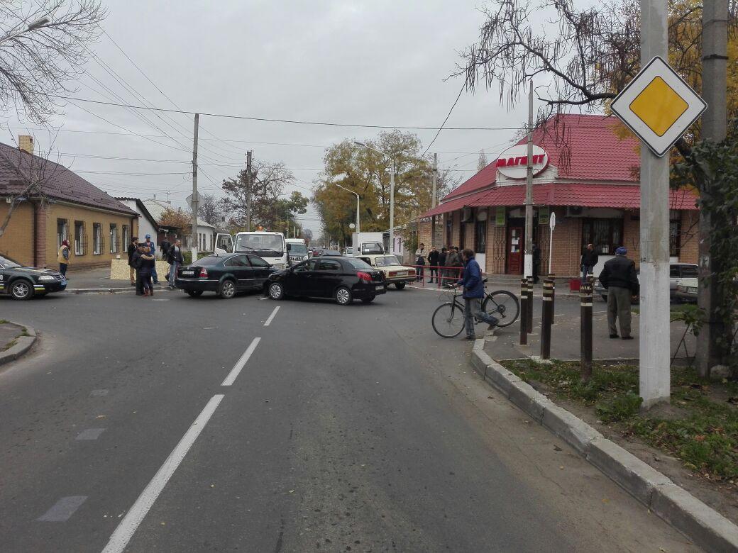 345734573 В Измаиле на перекрестке столкнулись три автомобиля