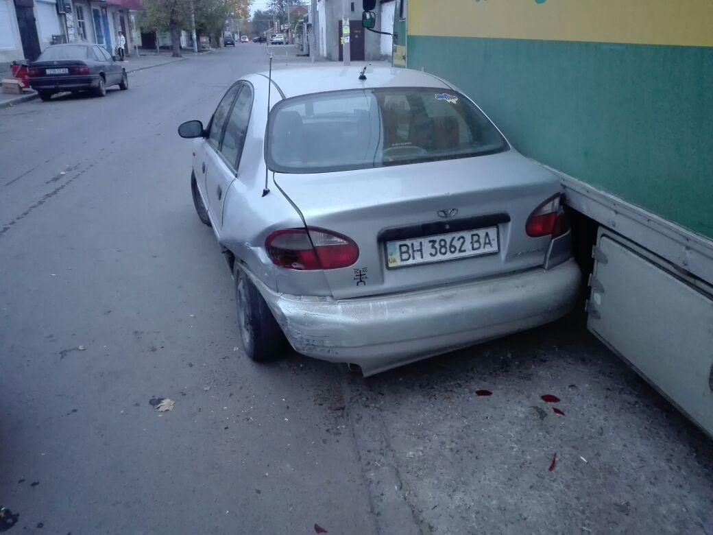 345734574 В Измаиле возле Центрального рынка произошло ДТП с участием четырех автомобилей