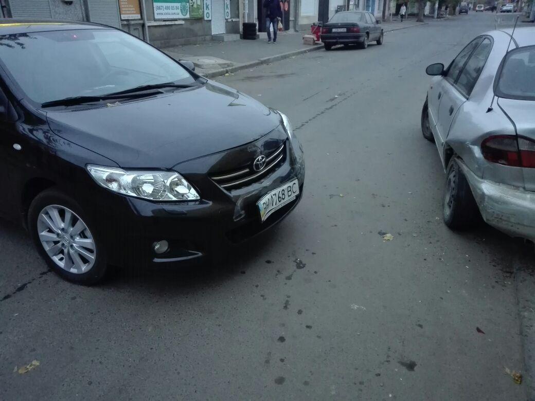 3473247 В Измаиле возле Центрального рынка произошло ДТП с участием четырех автомобилей