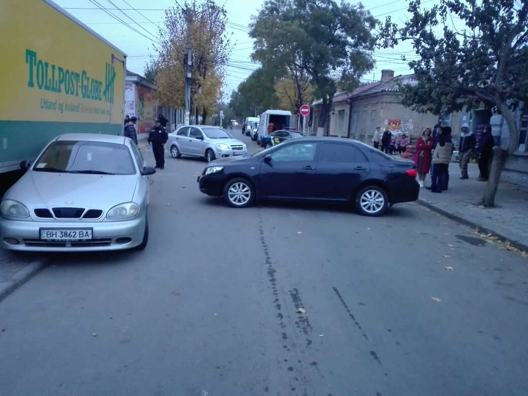 4573457457 В Измаиле возле Центрального рынка произошло ДТП с участием четырех автомобилей