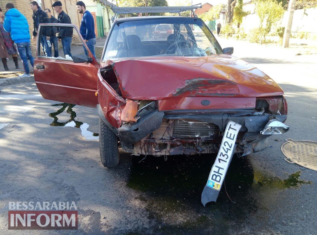 59fb0be14b981_345734574 Измаил: на Савицкого в результате ДТП перевернулся автомобиль, есть пострадавшие