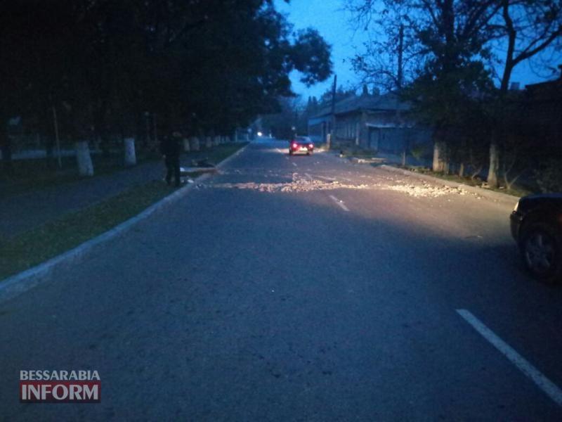 59fd9fda82606_2 В Измаиле ночью неизвестное авто сбило электроопору