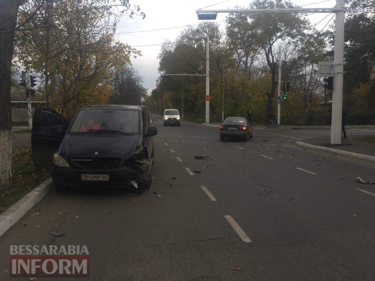 5a0c04e61390e_6k3462 В Измаиле проезд на запрещающий сигнал светофора стал причиной очередного ДТП