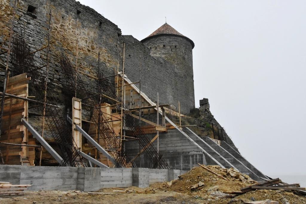 6 Главы облсовета и ОГА остались недовольны темпами реконструкции Аккерманской крепости
