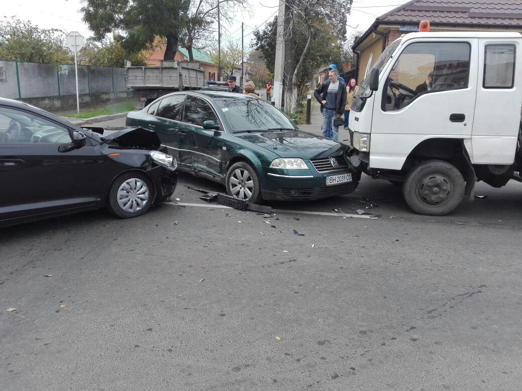64573457 В Измаиле на перекрестке столкнулись три автомобиля