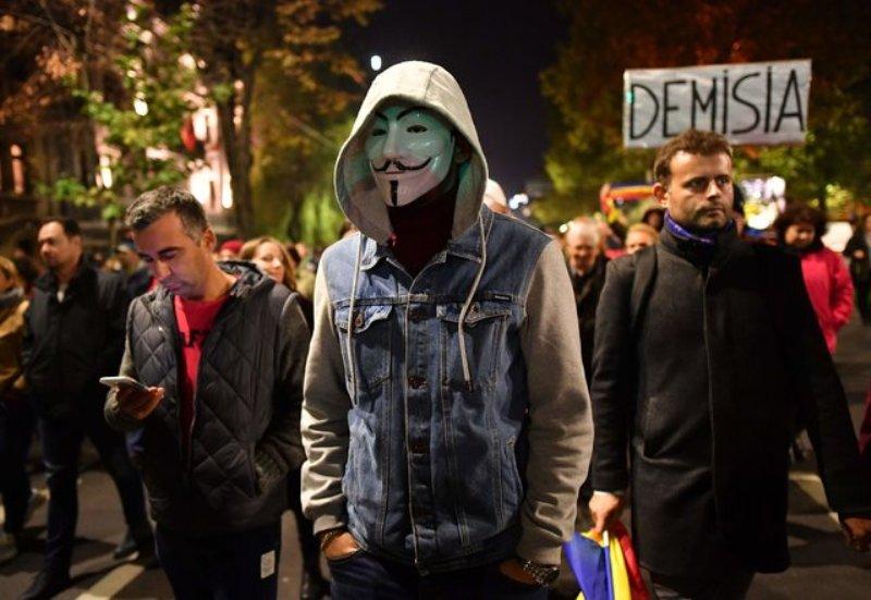 Неспокойно у соседей: в Румынии вспыхнули массовые протесты из-за судебной реформы