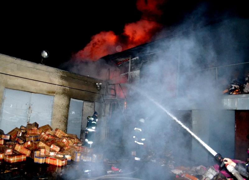 DSC_0027 Масштабный пожар на рынке «7-й километр»: огонь гасили 70 человек и 15 единиц спецтехники