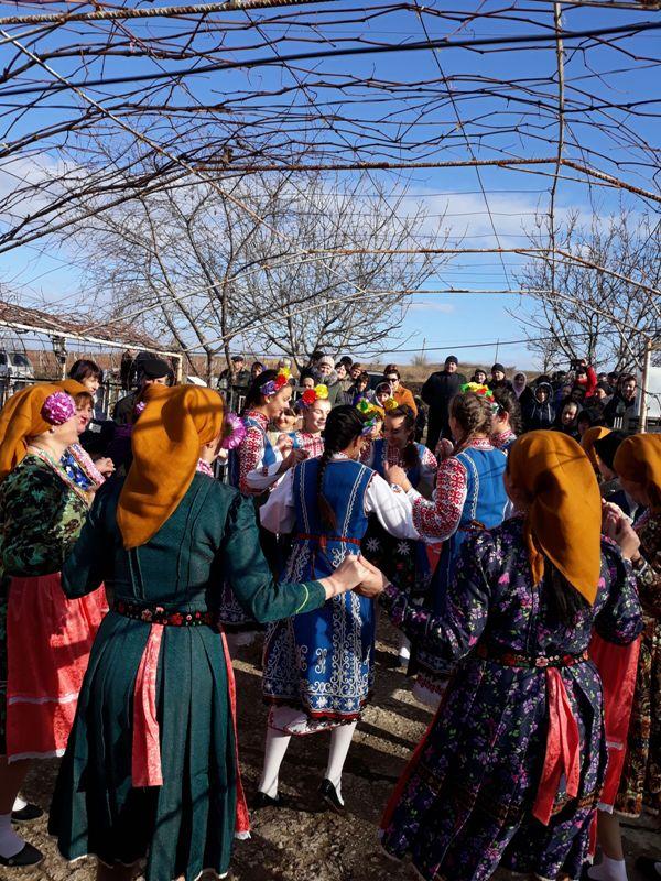 imgonline-com-ua-Compressed-X6KhSR2MCf Начало новой жизни: в селе Тарутинского района запуск газа встречали аплодисментами и плясками