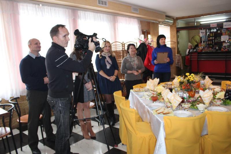 В Аккермане местных телерадиовещателей поздравили с профессиональным праздником