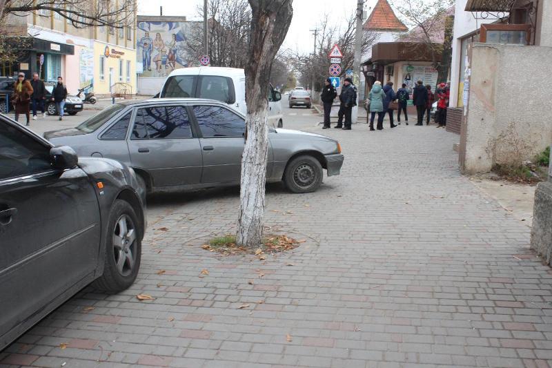"""Учись, Измаил!: как в Аккермане борются с """"гениями"""" парковки"""