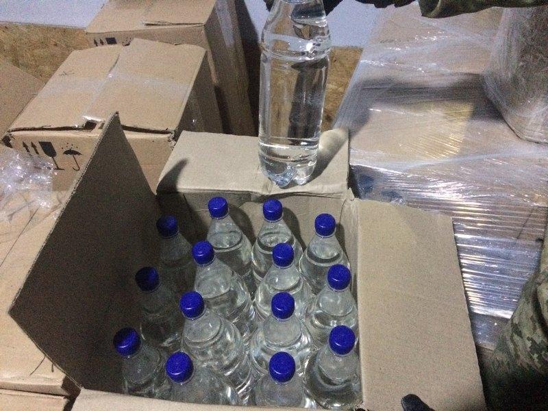 news_20171109_122813_1510223293 Из Измаила и Рени в Одессу тоннами переправляли контрафактный алкоголь - спецоперация ГПС и ГФС