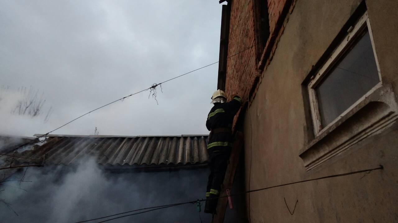 Измаильские спасатели боролись с огнем в частном секторе