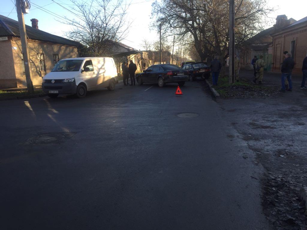 В результате утреннего ДТП в Измаиле оказались повреждены три автомобиля