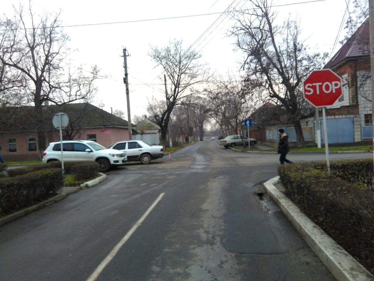 23463246 Бильярд на дороге: в Измаиле Mercedes протаранил BMW и Volkswagen