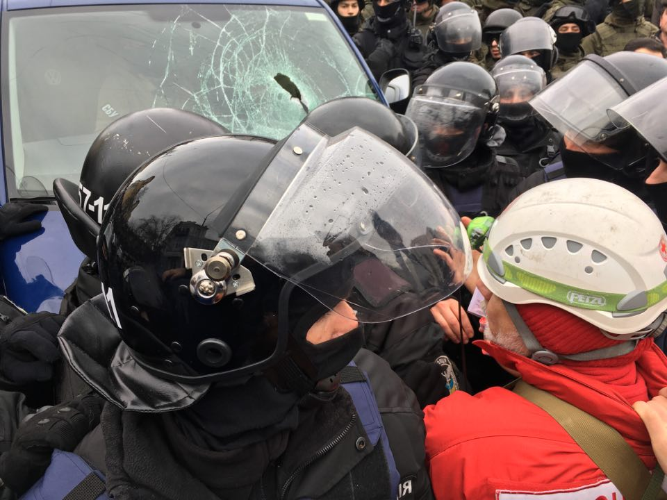 """В Киеве ГПУ при поддержке """"Альфы"""" пыталась задержать Саакашвили, но его """"отбили"""" сторонники (обновляется)"""