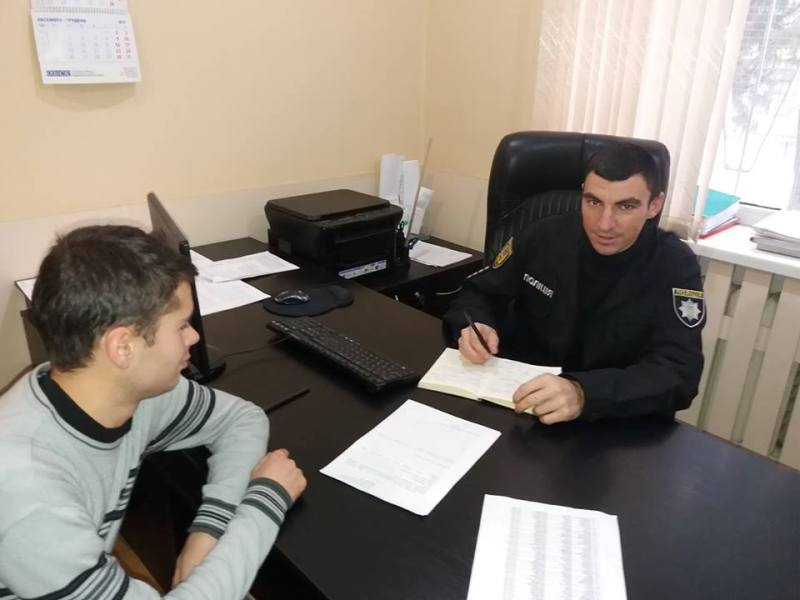 Закон и голуби: полицейский из Татарбунар увлекается разведением декоративных голубей