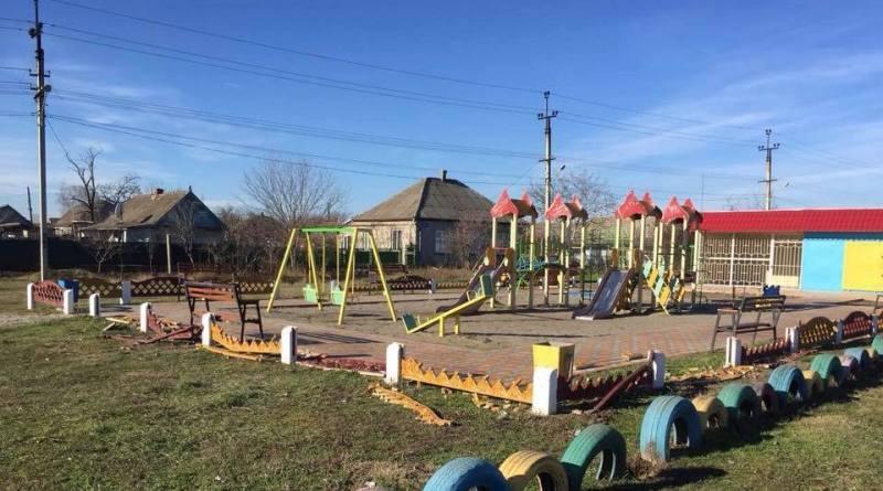 В Килии вандалы разгромили оградку детской площадки, построенной за спонсорские средства