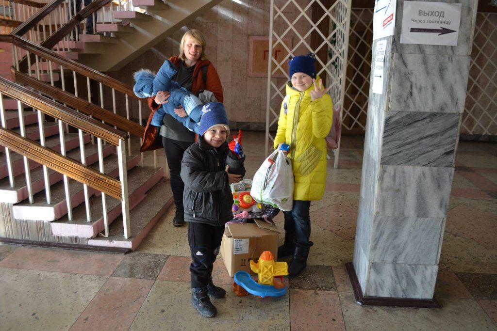 Многодетные семьи Белгород-Днестровского принимают гуманитарную помощь из Калифорнии