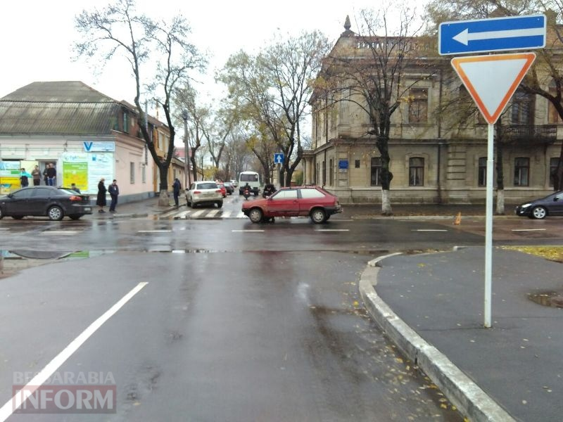 Воскресная суета: на проспекте Суворова в Измаиле за два часа произошло сразу две аварии