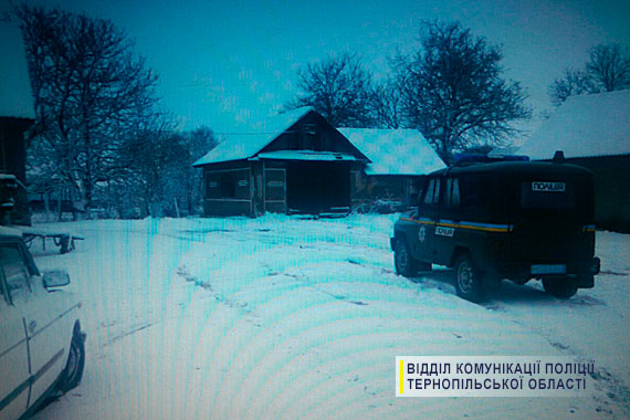 Преступление во благо: на Западной Украине мужчина подшофе украл трактор, чтоб расчистить село от снега