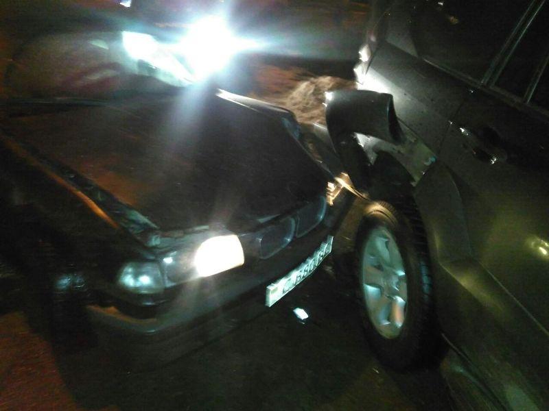 Полицейская погоня в Измаиле: пьяный на BMWврезался в припаркованную Toyota Prado
