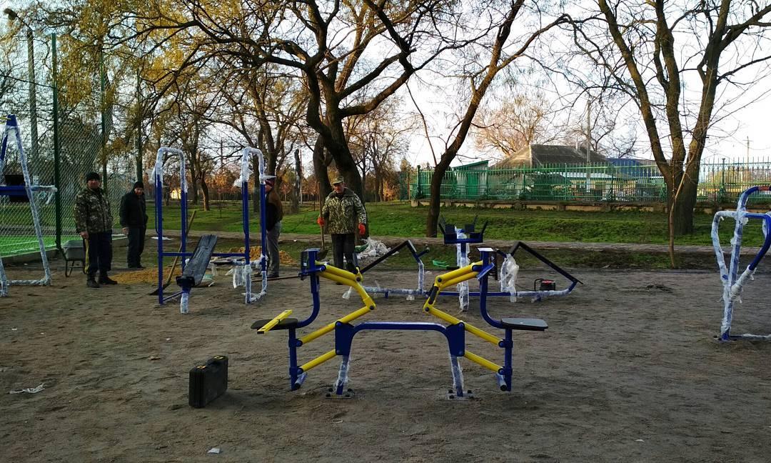 Спокойствие - тренажеры на месте: болградцы встревожены исчезновением тренажеров с площадки возле гимназии