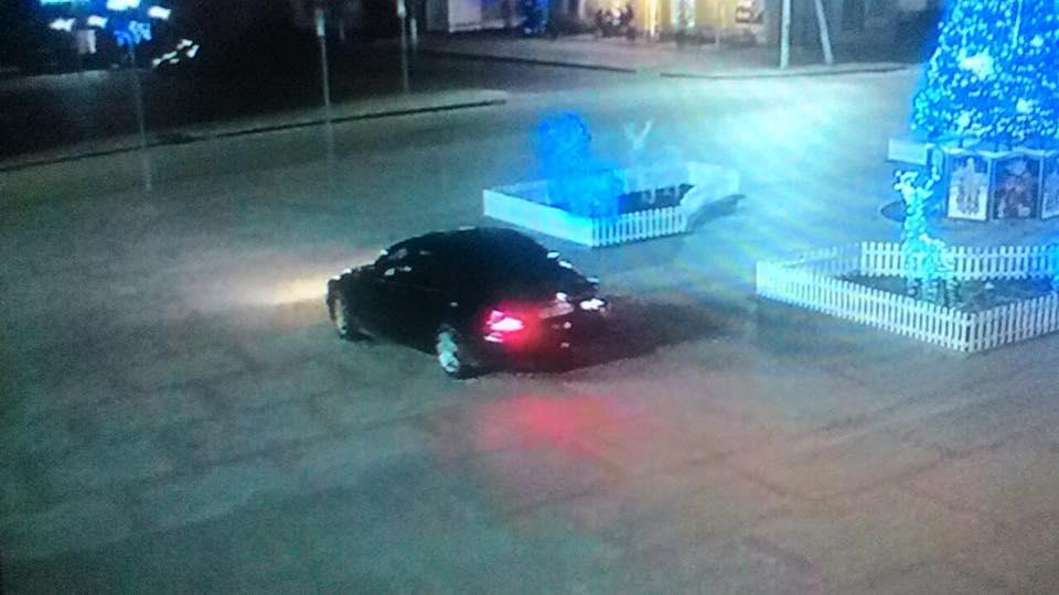 В Килии задержали горе-дрифтера, который снес дорожный знак на Центральной площади