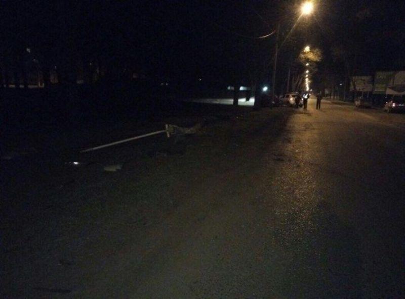 """В Измаиле столб уличного освещения """"пал жертвой"""" неопытного водителя"""