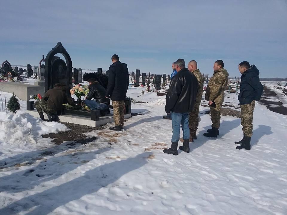 В Татарбунарах в память о погибшем герое АТО открыли мемориальную доску
