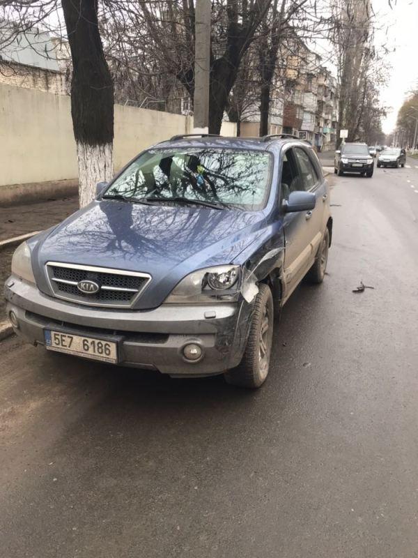 Авария на проспекте Суворова в Измаиле: Renault не уступило KIA