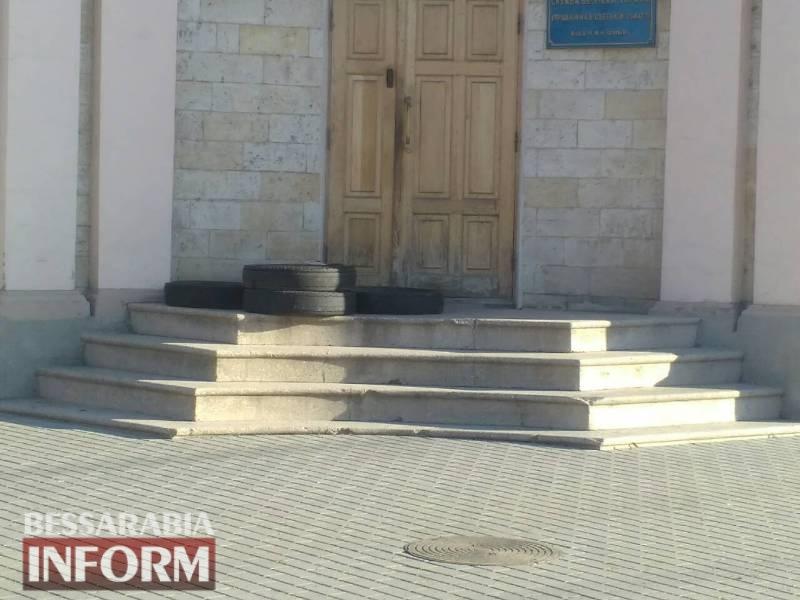 В Измаиле возле здания СБУ обнаружили подозрительную коробку