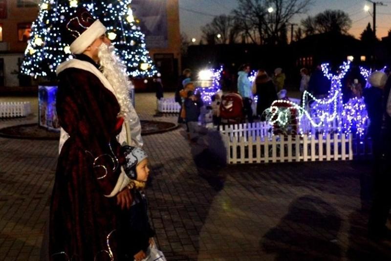 """Во время новогодней акции от """"Фонда Добра и Любви"""" детям Килийского района было вручено более 12 тысяч подарков"""