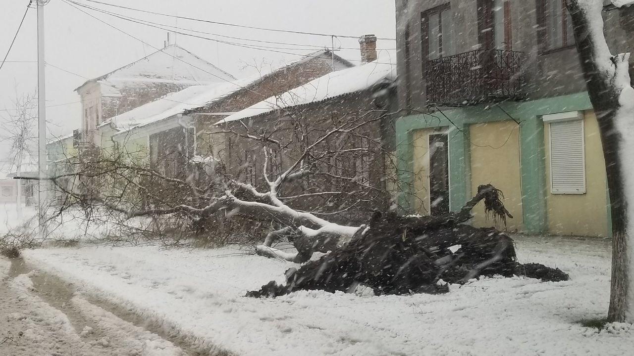 В Килийском р-не, где обесточены все населенные пункты, возобновить электроснабжение планируют за несколько дней