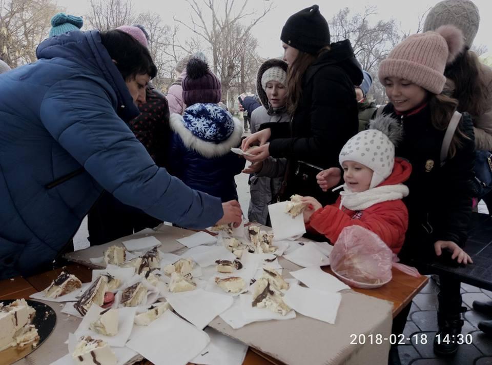 «Добрый блин — 2018»: в Арцизе на Масленице горожане собрали средства на телевизор для детей в поликлинику