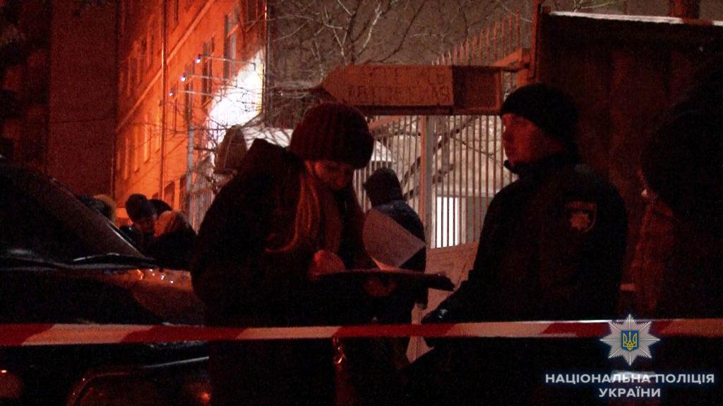 В Одессе полицейские обнаружили в квартире обезглавленное тело молодой женщины