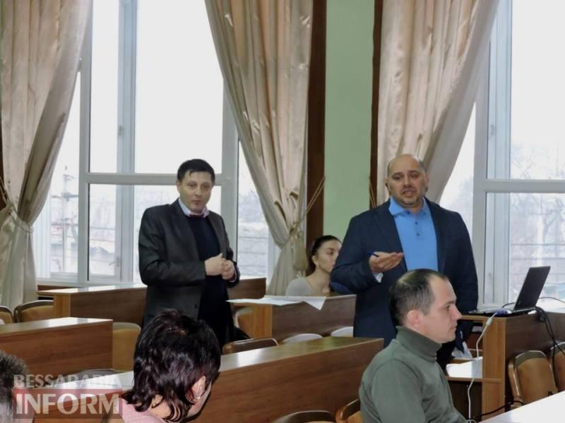 """""""Люди нас боятся"""": ромы из Лощиновки пришли пожаловаться на жизнь в Измаильскую РГА"""