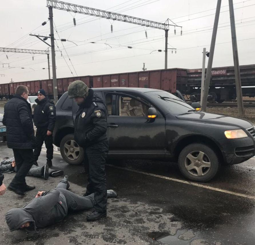 В полиции показали, как задерживали преступников, которые расстреляли из АКС автомобиль фермера в Ренийском р-не