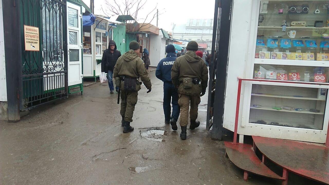 В Измаиле Нацгвардия и Нацполиция совместно патрулируют центральный ранок