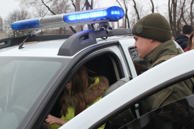 """Автопарк Нацгвардии в Измаиле пополнился новыми бронемашинами """"Варта"""" и внедорожниками """"Renault Duster"""""""