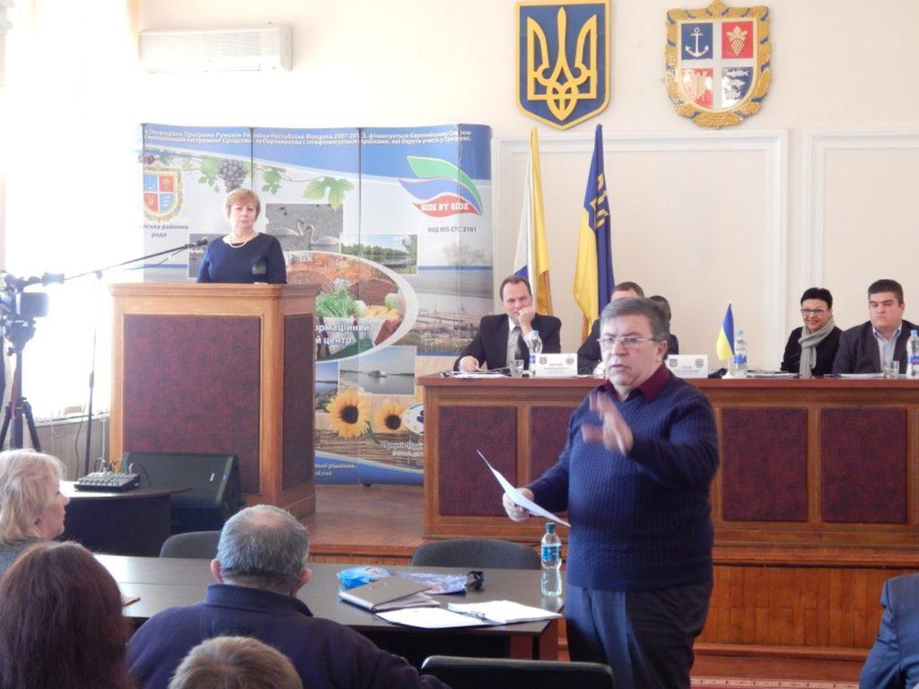 Атмосфера 25-й сессии Ренийского районного совета выдалась жаркой: временами споры доходили до скандалов
