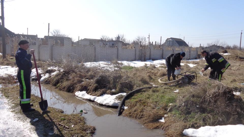 В Килии шестой день ведутся работы по откачке воды с улиц города