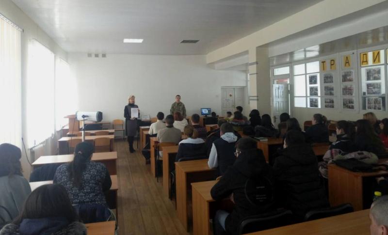 Измаильские пограничники предлагали студентам, лицеистам и будущим медикам стать военнослужащими по контракту