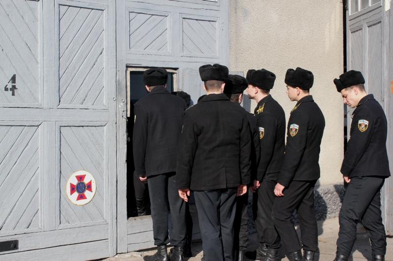 Спасатели Измаила провели увлекательный мастер-класс для учащейся молодежи и пригласили в свои ряды