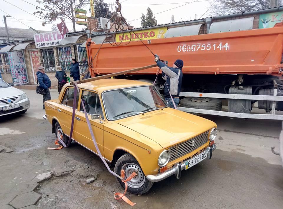 Для измаильских автохамов наступают тяжелые времена. Патрульная полиция начала эвакуировать автомобили