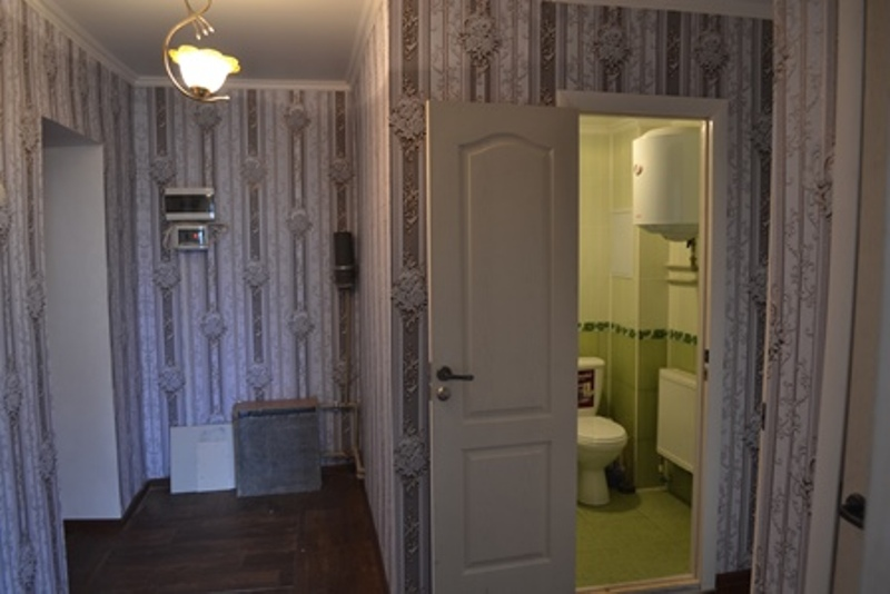 В Болграде местные власти помогли отремонтировать квартиру АТОшнику, потерявшему на войне ногу
